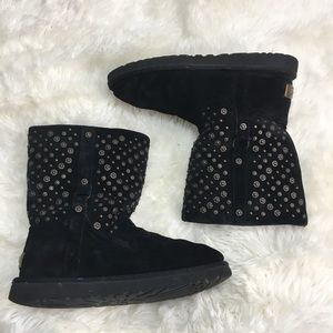28ba7ee2c79 Ugg Elliott short studded black suede boots 8